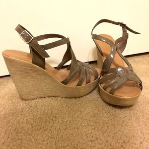 Callisto Shoes - Callisto of California Olive Strappy Wedges