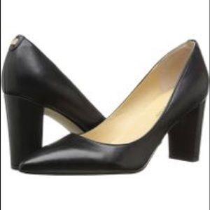 Ivanka Trump Shoes - Ivanka Trump NEW Black Lysa Pointy Toe Pump