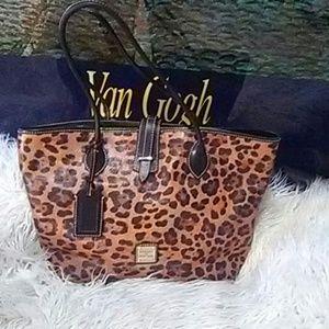 Dooney & Bourke Handbags - Authentic Dooney & Bourke bag