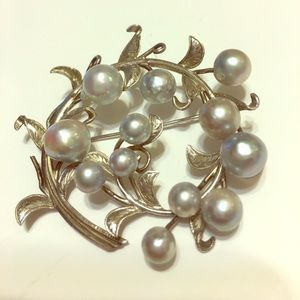 other Jewelry - Vintage Sterling Silver Real Pearl / Brooch