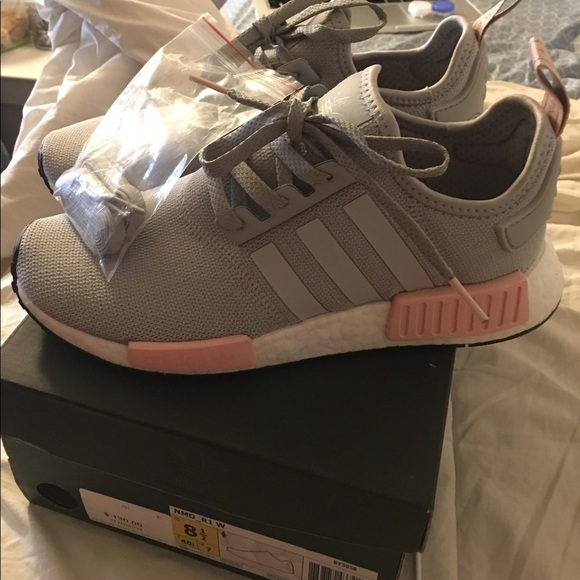 c40cb65b2f1c8 Adidas NMD R1 Clear Onix (vapour pink) Size 8.5