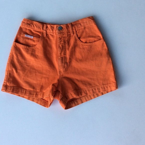 Guess Pants - VINTAGE HIGH WAISTED GUESS SHORTS