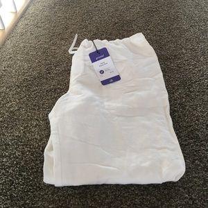 NWT-  white linen Cabi pants-