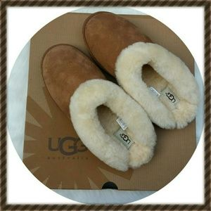 UGG Shoes - UGG CLUGGETTE SLIPPERS SIZE 9