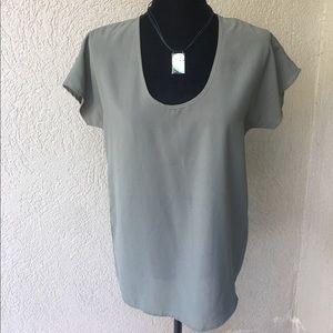 Fun & Flirt Tops - 🆕Fun & Flirt Olive green trendy blouse