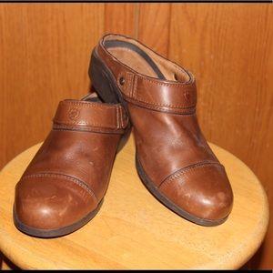 Ariat Shoes - ✨ Ariat ✨