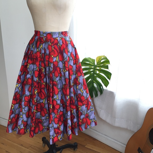 H&M Dresses & Skirts - H&M colorful full Pleated Skirt Size 6/Medium