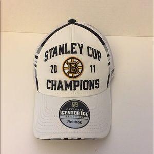 Reebok Other - Bruins 2011 Stanley Cup Champ Locker Room Hat