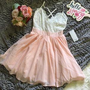 Tobi Dresses & Skirts - White and peach Tobi dress