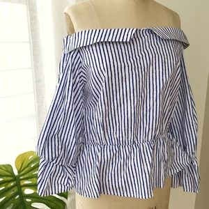 OFF THE SHOULDER BLUE STRIPE TOP SIZE MEDIUM