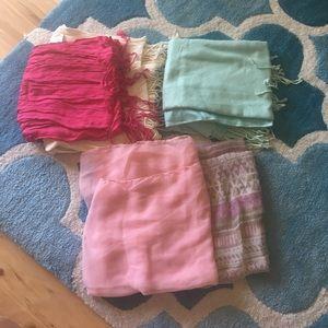 Accessories - ✨FINAL SALE✨ bundle of scarves