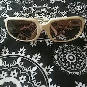 Kenneth Cole Accessories - Kenneth Cole Sunglasses
