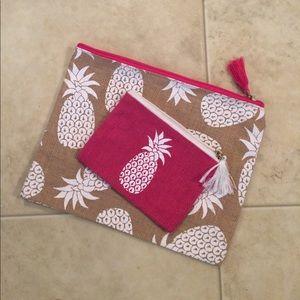 Mud Pie Handbags - $8 mud pie two piece pineapple print burlap bags