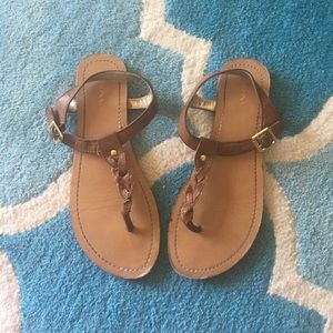 Merona Shoes - ✨FINAL SALE✨ Tan t-strap leather sandals 6.5