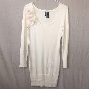 Bisou Bisou Dresses & Skirts - 🆕 Bisou Bisou Rosette Sweater Dress