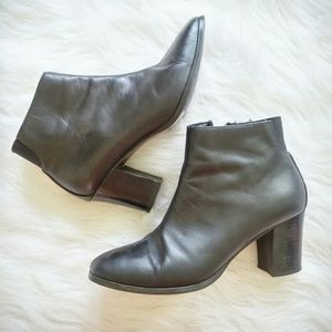 Vintage Shoes - Vintage Express Leather Chunk Heel Booties 8M