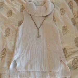 Lou & Grey sleeveless white sweater