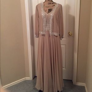 J Kara Dresses & Skirts - J KARA Beaded Gown with Bolero 10 NWT