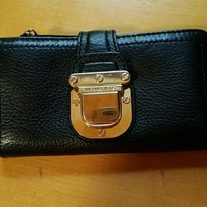 Handbags - Micheal Kors Wallet