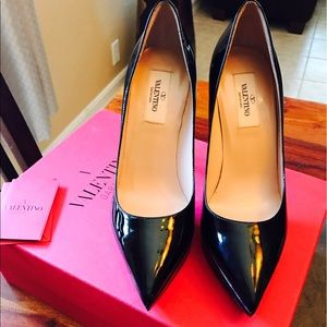 Valentino Shoes - NEW VALENTINO Patent leather shoes 👠