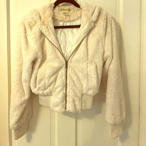 Luxurious Faux Fur Jacket with Silky Lining!