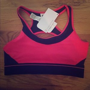 Fabletics NWT Sports Bra - M