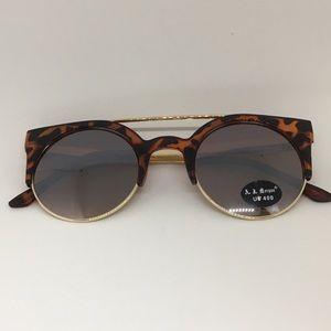 AJ Morgan Accessories - AJ Morgan women's sunglasses