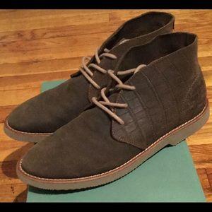 Seavees Shoes - SALE: SEAVEES 3 EYE CHKKA Women's Sz 8