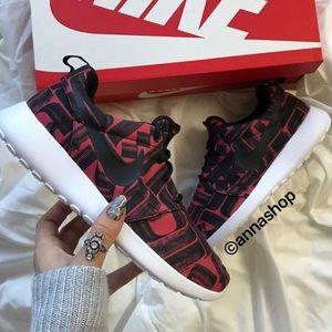 Nike Shoes - NWT Nike roshe Aztec print