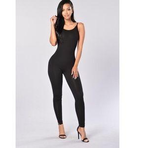Fashion Nova Pants - Black jumper