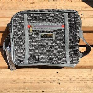 Oscar de la Renta Handbags - Oscar de la Renta Studio Bag