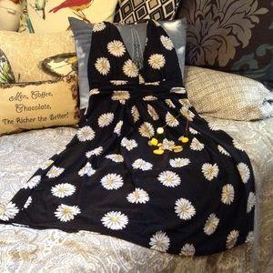 5th & Love Dresses & Skirts - ☝🏻️LAST ONE☝🏻️🆕 Daisy Halter Dress 🌼🕶💛