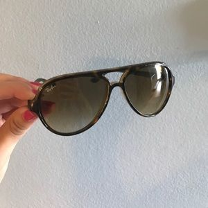 RAY BAN--THICK AVIATORS. Special Edition.