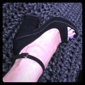 Zara Trafaluc 38/7.5 Chunky Heels
