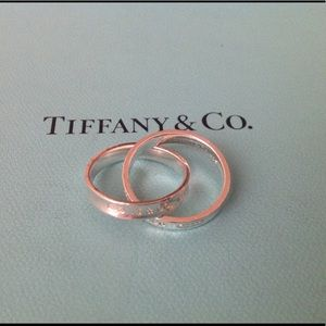 Tiffany & Co. Jewelry - WKND SALE🎉Tiffany & Co. Interlocking Circles Ring
