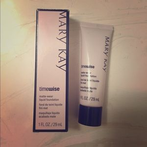 Mary Kay Other - Mary Kay Timewise liquid foundation