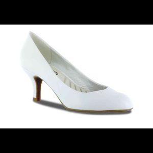Easy Street Shoes - White Wedding Heels 👰🏻💍