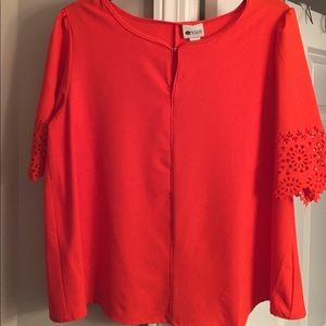 Women's orange Large top w/cut-out detail sleeves