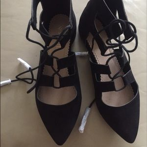 NIB restricted lace up flats 8.5
