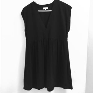Wilfred dress from Aritzia. Size XS.