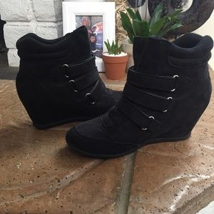 Shoes - Black wedge sneakers