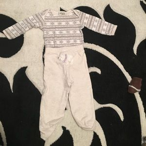 Other - Snow flake outfit 6-9 months