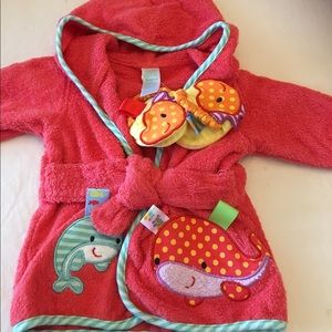 Taggies Other - Taggies Bath Robe & Slippers