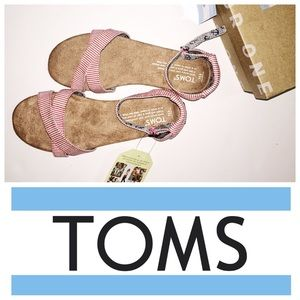 TOMS Other - TOMS youth size 2.5 sandals
