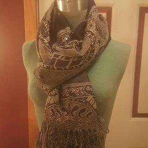 Accessories - Scarf/Wrap