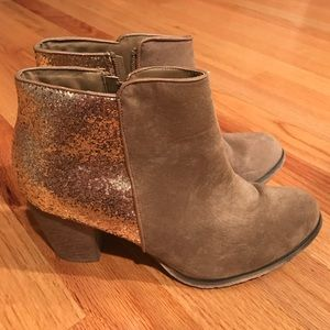 Wanted Shoes - Glitter Booties Size 8