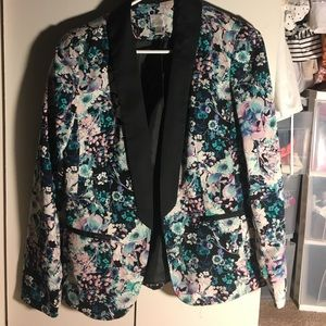 Lauren Conrad floral blazer!