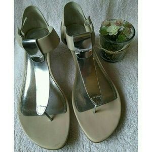 Kenneth Cole Reaction Shoes - New!🎉🎇Kenneth Cole Reaction Sun Kissed Wedges