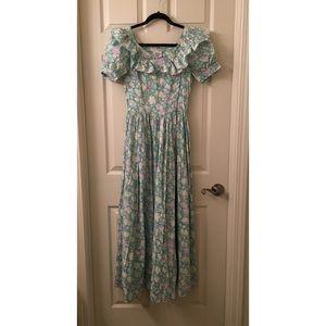 Laura Ashley Dresses & Skirts - Vintage LAURA ASHLEY floral Prairie Dress US sz 10