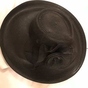 August Hats Accessories - NWT New August Hat Black Sunhat with Bow Feathers